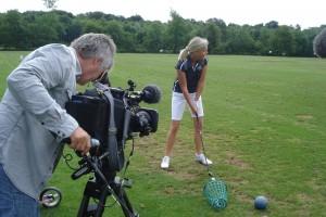 Dreharbeiten im Golfclub Eichenried mit Heidi Rauch für die BR Abendschau