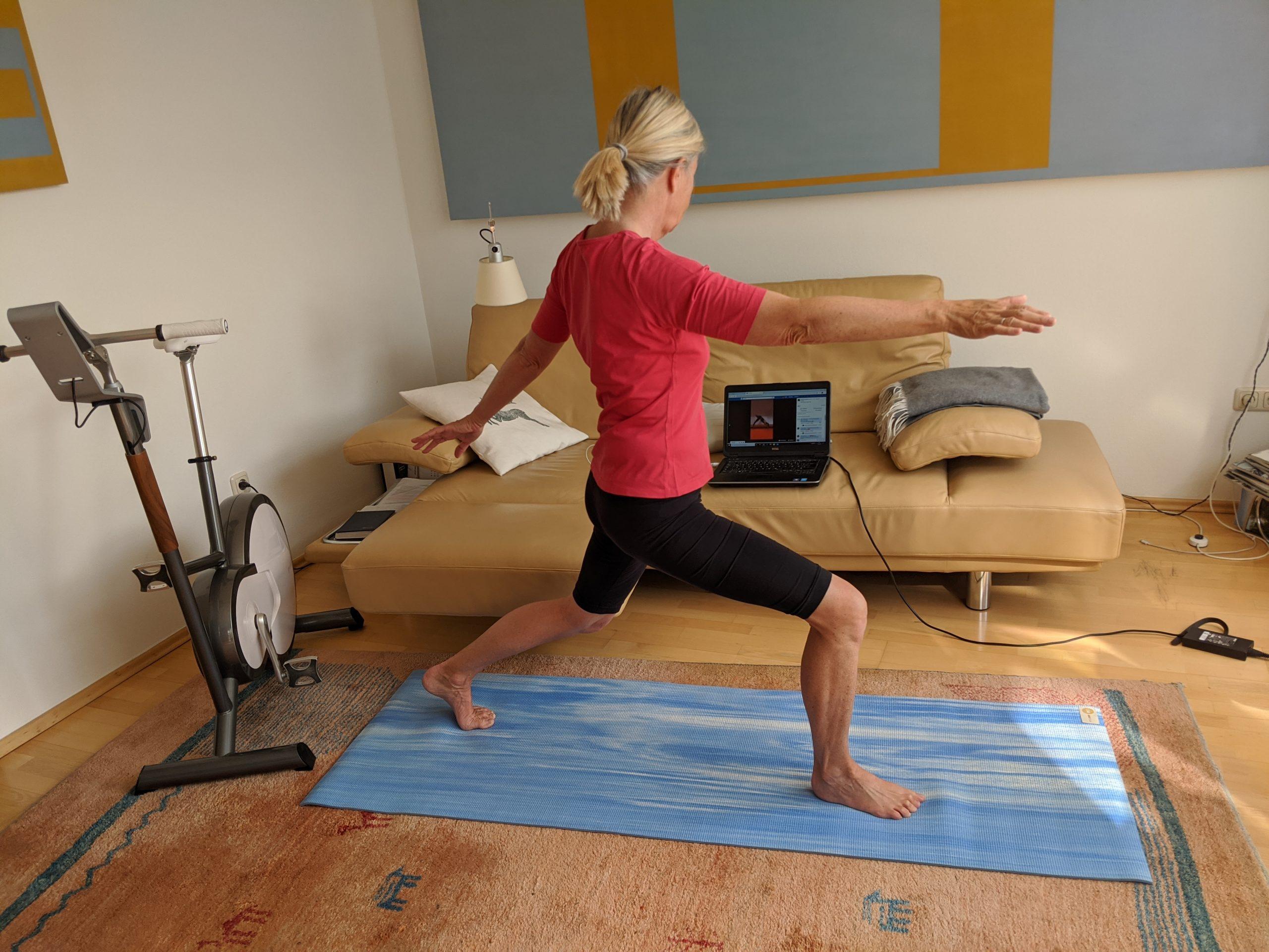 Yoga-Position Die Kriegerin